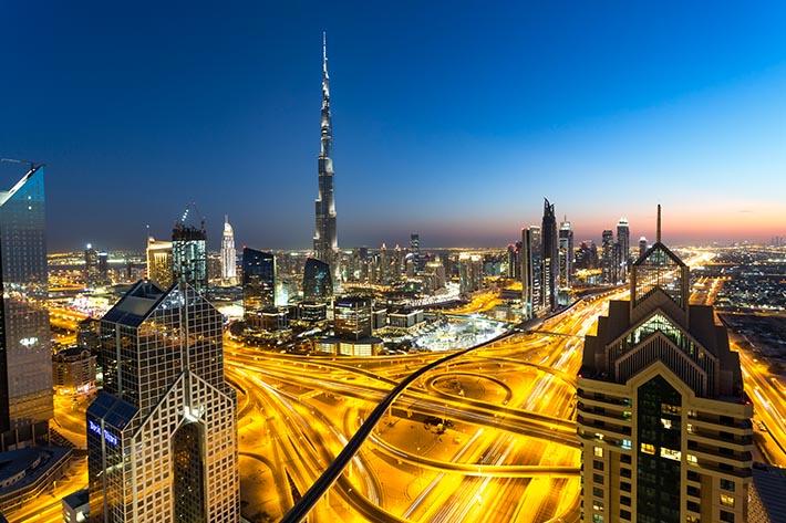 Mặt trái không phải ai cũng biết về tiểu quốc hào nhoáng Dubai - Ảnh 1