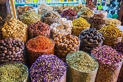 Lạc lối trong chợ gia vị Spice Souk ở Dubai