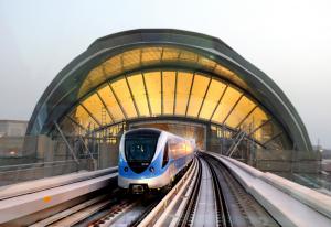 Di chuyển ở Dubai cách nào rẻ và an toàn nhất?