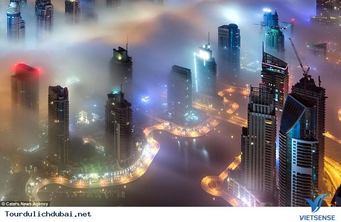 Bình minh Dubai trong lớp sương mù nhiều mầu sắc - Ảnh 2