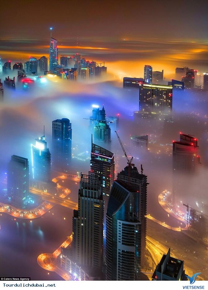 Bình minh Dubai trong lớp sương mù nhiều mầu sắc - Ảnh 3