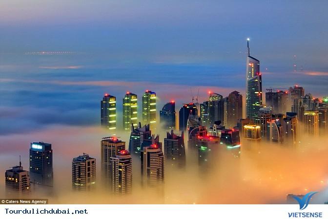 Bình minh Dubai trong lớp sương mù nhiều mầu sắc - Ảnh 6
