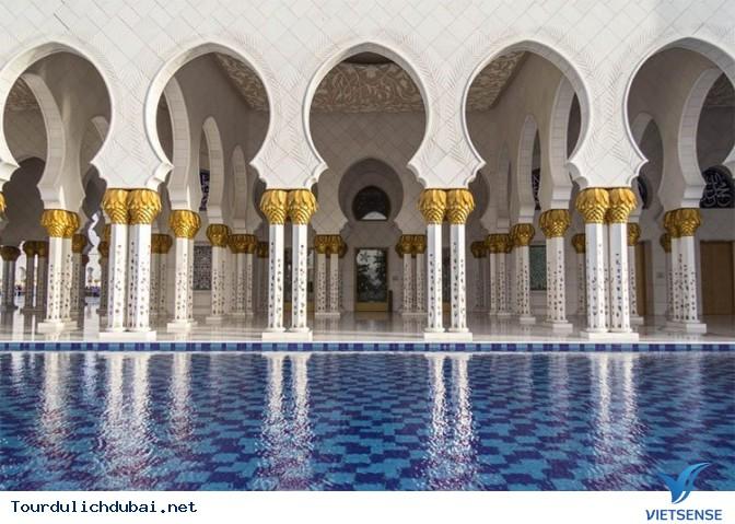 Những Trải nghiệm thú vị khi tới Abu Dhabi hàng xóm của Dubai - Ảnh 2