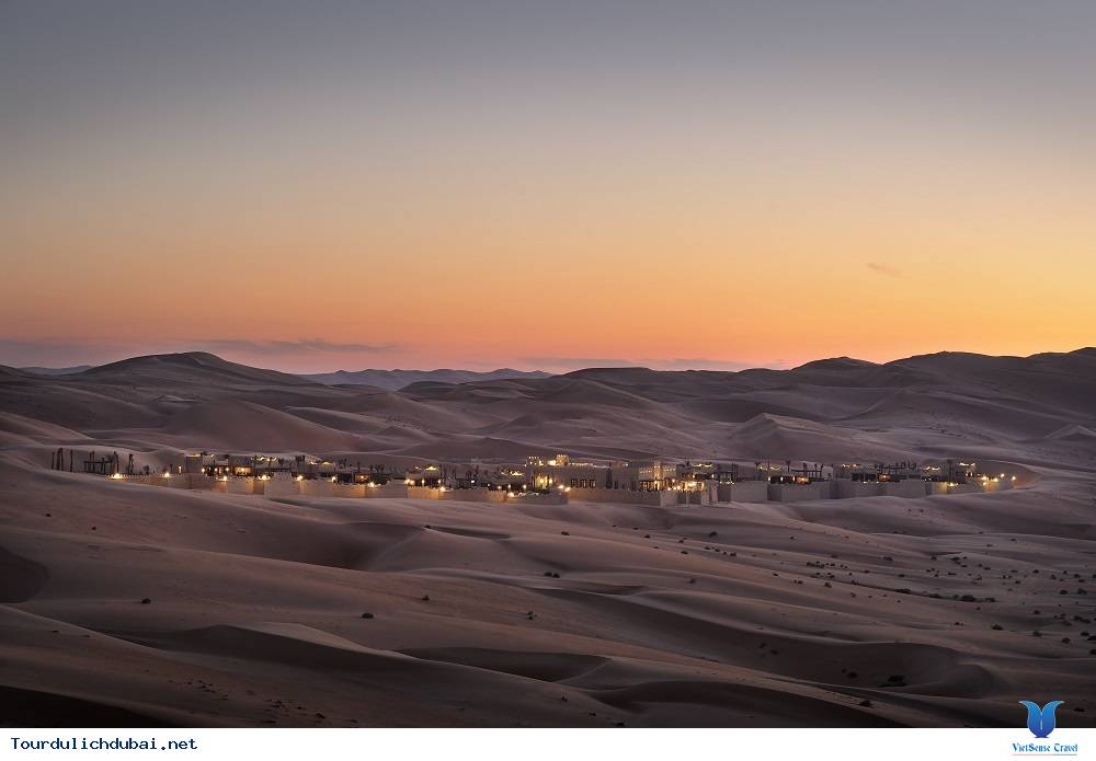 Chuyện thật như đùa: nghỉ mát trên sa mạc - Ảnh 2