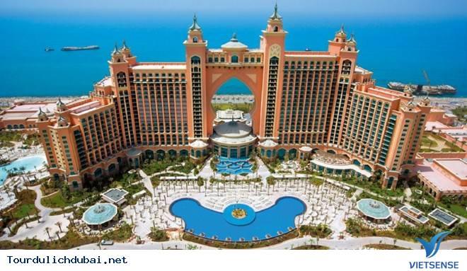 Dubai nơi tiền bốc hơi nhanh nhất thế giới - Ảnh 1