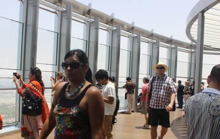 Khám Phá Tòa Nhà Cao Nhất Thế Giới Burj Khalifa - Ảnh 6