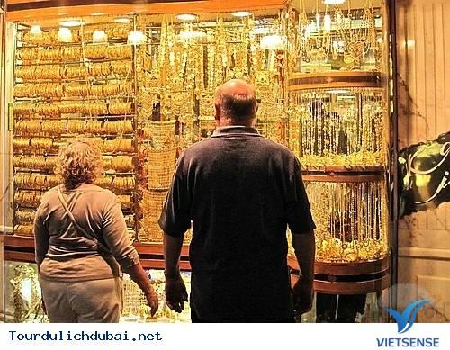 Nên mua quà gì khi đi du lịch Dubai - Vietsense Travel - Ảnh 1
