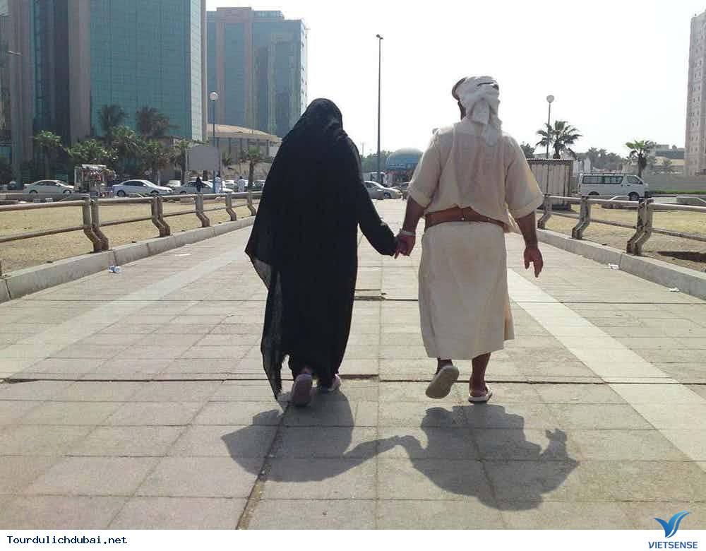 Những sự thực phũ phàng tại thành phố Dubai - Ảnh 2