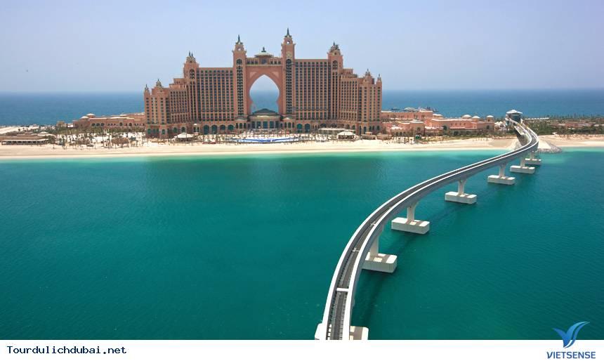 Tết ''lạ lùng'' trên thành phố Dubai - Ảnh 3
