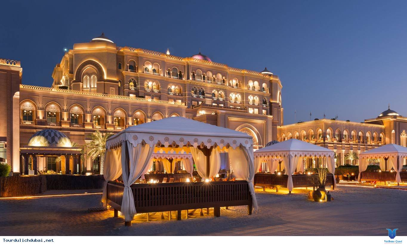 Tết ''lạ lùng'' trên thành phố Dubai - Ảnh 1